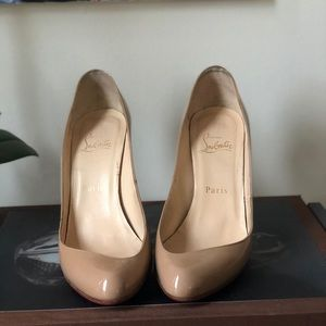 💃🏾Perfect plus one☝️ louboutin nude pumps